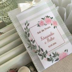 Delicadeza sem fim  #noiva #bride #casamento #wedding #identidadevisual #convitedecasamento #weddingstationery #stationery #fashion #watercolor #weddinginvitation #finepaper #bridetobe #custommade #handmade #yukifujitabrasil #kittoilette #kitbanheiro