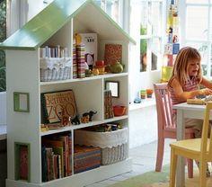 Criança Brincando De Casinha Dollhouse Bookcasebookcase