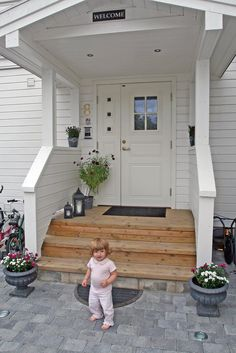 STILIG HJEM: Innkjøring og inngangsparti Front Porch, Terrace, Outdoor Structures, Patio, Outdoor Decor, Design, Home Decor, Google, Garten