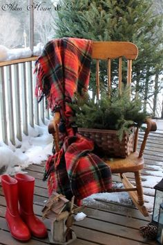 A tartan throw completes the vingnette