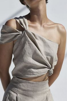 Shaina Mote Spring 2018 Ready-to-Wear Fashion Show Collection Fashion Details, Look Fashion, Fashion Show, Fashion Outfits, Womens Fashion, Fashion Face, Vogue Fashion, Unique Fashion, Fashion Fashion