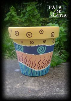 Painted Clay Pots, Painted Flower Pots, Painted Vases, Flower Pot Crafts, Clay Pot Crafts, Ceramic Pots, Terracotta Pots, Decorated Flower Pots, Pottery Designs
