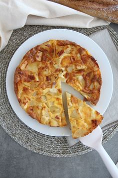 Tortilla à la raclette – home acssesories Hawaiian Pizza, Flan, Quiche, Vegetable Pizza, Tapas, Good Food, Brunch, Food And Drink, Cheese