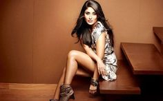 Bollywood Celebrities With Their Own Clothing Line. For people in India fashion is synonymous to Bollywood, isn't it? We always wish to style the way Kareena Kapoor Khan, Kareena Kapoor Photos, Indian Celebrities, Bollywood Celebrities, Bollywood Actress, Bollywood News, Bollywood Fashion, Lakme Fashion Week, India Fashion
