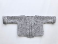 Jersey elástico primera postura Knitting For Kids, Baby Knitting, Crochet Baby, Knit Crochet, Knit Baby Sweaters, Knitted Baby Clothes, Baby Cardigan, Knitting Patterns, Baby Kids