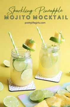 Summer Fun with Snapfish + a Sparkling Pineapple Mojito Mocktail Recipe! Fresh pineapple, mint leaves, lime juice and sparkling water. Plus a fruit garnish on this easy non-alcoholic drink recipe! – The Pretty Life Girls - Boxer Braids - Coins - Hot Mojito Mocktail, Mojito Recipe, Non Alcoholic Cocktails, Drinks Alcohol Recipes, Cocktail Recipes, Easy Mocktails, Easy Mocktail Recipes, Nonalcoholic Summer Drinks, Non Alcoholic Margarita