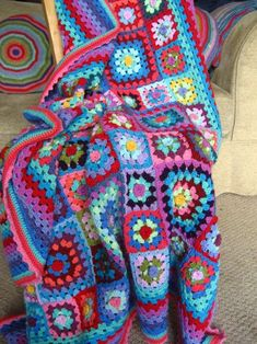 Sweet Flower Granny Blanket another view..... oh so pretty & bright!