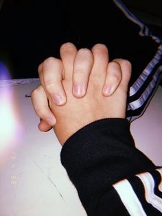 Holding Hands Pictures, Hand Pictures, Cute Couple Pictures, Best Friend Pictures, Couple Goals Relationships, Relationship Goals Pictures, Tumblr Photography, Girl Photography Poses, Hand Photography