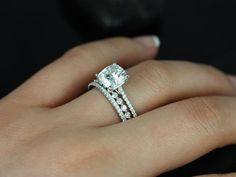 Bague diamant taille coussin + 1 anneau par enfant. Marcelle & Petite Bubble Breathe 14kt Gold Cushion