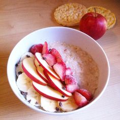Goooood morning my friends this was the best ricepudding i ever had!!! With frozen strawberries banana and apples i was in breakfastheaven!!! And a little motivation: you can reach everything!!! Just try it!!!!! #carbup #vegan #veganfood #vegansofig #whatveganseat  #glutenfreevegan #hclf #healthy #highcarb #healingfood #highcarblowfat#cleaneating #foodlove #plantbased #poweredbyplants#starchsolutiongermany#carbthefuckup#cutcarbscutlife#starchsolution#recovery #edrecovery#ricepudding…