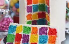 Rainbow cake en damier (Vidéo) : recette illustrée, simple et facile