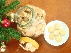 Biscoito de Castanha-do-pará Ingredientes250 g de castanha-do-pará 200 g de manteiga sem sabor (mole) 1 ovo 1 xícara de açúcar 1 xícara e 1/2 de trigo 1 xícara e 1/2 de amido de milho 1 pitada de sal