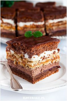 Ciasto kakaowa krówka - I Love Bake - #Bake #ciasto #kakaowa #krowka #love - #Bake #ciasto #kakaowa #krowka #love Just Desserts, Delicious Desserts, Yummy Food, Cookie Recipes, Dessert Recipes, Christmas Cheesecake, Cake Bars, Polish Recipes, Pie Dessert