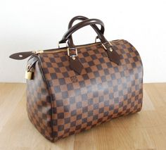 Celine, Hermes, Burberry, Prada, Shops, Chanel, Louis Vuitton Speedy Bag, Bags, Fashion