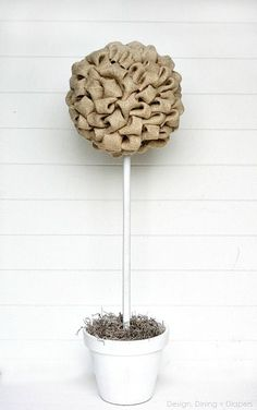 Add a rustic feel to any décor with burlap. Click in for a tutorial on how to make your own burlap topiary tree from Design, Dining + Diapers. This DIY project can be displayed year round, and you can even make smaller versions for centerpieces. Burlap Projects, Burlap Crafts, Diy Projects To Try, Craft Projects, Craft Ideas, Project Ideas, Diy Spring, Spring Crafts, Fall Diy