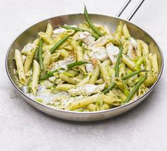 Foodie Friday: Creamy Chicken and Green Bean Pesto Pasta