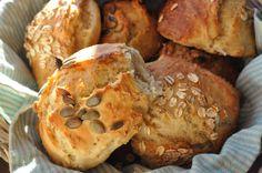 Hurtige koldthævede boller og brød uden æltning