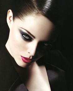 Latest smoke eye makeup, fashion, trendy,images, picture, wallpapers