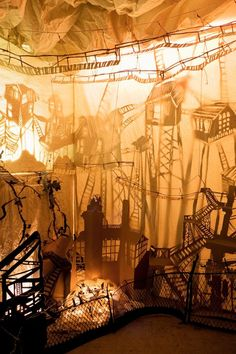 I'm trying to think of something we could do at camp with this idea! I'm trying to think of something Shadow Art, Shadow Play, Set Design Theatre, Stage Design, Conception Scénique, Sparks Design, Art Magique, Shadow Theatre, Shadow Puppets