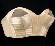 Au Faut Foundations strapless bra | V&A | ca. 1935
