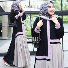 Material : Jetblack mix Tori Size : LD 105 cm, Panjang 145 cm Rempel depan full Busui friendly ❤  4 warna  #hijabfashion #dressmuslimah #hijabstyle #dresscasual #gamis #gamiscantik #muslimah #styles #hijab #hijab #ootdhijab Modern Hijab Fashion, Islamic Fashion, Abaya Fashion, Modest Fashion, Skirt Fashion, Fashion Dresses, Moslem Fashion, Muslim Dress, Islamic Clothing