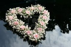 Heart of roses on the windshield wedding car Source by khedoesavitri Wedding Tags, Wedding Blog, Funeral Flowers, Wedding Flowers, Bridal Car, Wedding Car Decorations, Floral Wreath, Reception, Stock Photos