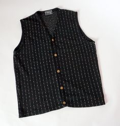 Hello Im glad youre here VINTAGE PANDORA  I offer vintage VERSACE CLASSIC V2 vest AUTHENTIC ! 100% cotton Made in Italy 5 gold buttons with V2