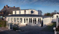 Frischer Wind in alten Mauern: Mit dem Hotel garni Charlottenhof hat die Künstlerkolonie Ahrenshoop ein neues Kleinod bekommen. Das traditionsreiche, 150 Jahre alte Gebäude wurde von seinen neuen Besitzern wiederbelebt. Nun finden sich hier ein ...