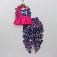Navratri special Whatsapp 7728886782 DM for price n details Baby Girl Party Dresses, Dresses Kids Girl, Kids Outfits Girls, Frock Design, Baby Dress Design, Kids Indian Wear, Kids Ethnic Wear, Kids Dress Wear, Kids Gown