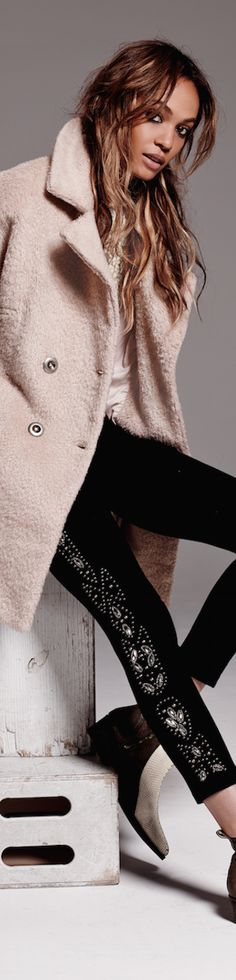Free People • Pink Coat • Street CHIC • ❤️ Babz™ ✿ιиѕριяαтισи❀ #abbigliamento