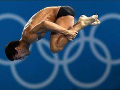O brasileiro Hugo Parisi foi eliminado nesta sexta-feira ainda na primeira fase dos saltos ornamentais em plataforma de 10 m. Com seis saltos, o atleta fez 363,70 pontos e ficou na 30ª colocação entre 32 competidores, sendo que apenas 18 se classificavam  Foto: Reuters