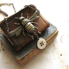 ≗ The Bee's Reverie ≗ Bee pendant