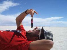 Ha lite kul och experimentera med perspektiv när ni fotar http://blish.se/44e7ab39b6 #humor #perspektiv #turister