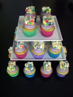 Cap'n Crunch Berry Cereal Cupcakes