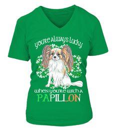 """# St Patrick Tag Glück Mit Ein Papillon Hund .  Nur für kurze Zeit! Nicht erhältlich in Geschäften. Sichere Zahlung mit:PayPal   VISA   MASTERCARDVerschiedene Style erhältlich, aber bestellen Sie bevor es zu spät ist.TIPP: TEILEN Sie dies mit Ihren Freunden, bestellen Sie zusammen und sparen Sie Versandkosten.Klicken Sie auf """"Jetzt Kaufen und bestellen Sie NOCH HEUTESt Patrick Tag Glück Mit Ein Papillon Hund"""