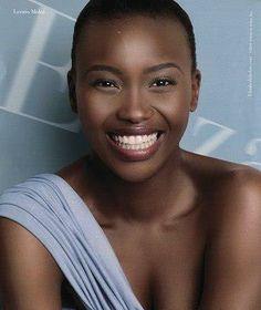 Black is beautiful- African fashion FB Beautiful Smile, Beautiful Black Women, Beautiful People, Simply Beautiful, Brown Skin, Dark Skin, Natural Hair Styles, Short Hair Styles, Bald Women
