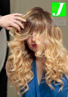 Shooting CDJ - Backstage #cdj #degradejoelle #tagliopuntearia #degradé #dettaglidistile #welovecdj #shooting #beautifulhair #naturalshades #hair #hairstyle #hairstyles #haircolour #haircut #fashion #longhair #style #hairfashion