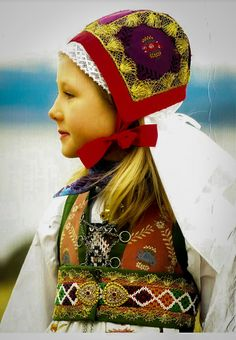 Girl from Norway Folk Costume, Costumes, Lofoten, Norwegian Vikings, Art Populaire, Folk Clothing, Norse Vikings, Folk Fashion, My Heritage