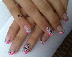 Google-kuvahaun tulos kohteessa http://images.nailart.vn/images/nail-art-designs/26-08-2014/Nail-art----glitter-argento-con-stickers-farfalla-smalto-o-gel-ricostruzione-64643-PM-nail-art-designs-pictures-and-wallpapers-0.jpg