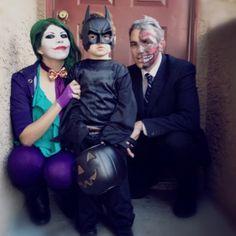 Batman and Villains family Halloween Costume Costume Halloween, Halloween Mono, Fete Halloween, Cute Costumes, Family Halloween Costumes, Halloween Kostüm, Holidays Halloween, Costume Ideas, Mickey Costume