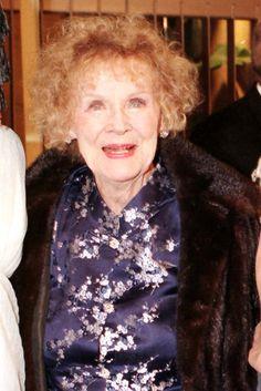 Gloria Stuart Photos: File Photos of Gloria Stuart