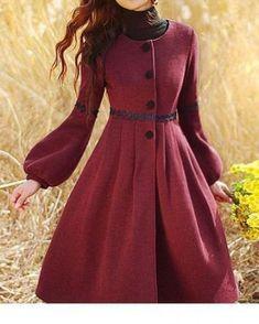 Cappotti lunghi trench coat vintage winter mant el manto manteau un designer Muslim Fashion, Modest Fashion, Hijab Fashion, Fashion Dresses, Vintage Style Outfits, Vintage Dresses, Vintage Fashion, Cute Dresses, Beautiful Dresses