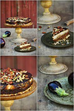 GATEAU A L'AUBERGINE LIBANAIS Ingrédients pour 6/8 personnes •1,2 kg d'aubergines •500 g de riz basmati •60 ml d'huile d'olive •200 g de lentilles blondes •2 oignons rouges •6 gousses d'ail •250 g de champignons de Paris frais •200 g de concentré de tomate ♦1 c.à s. de paprika fumé •2 c. c. de sel - •50 g d'amandes •30 g de pistache •30 g de pignons de pin Temps de préparation :1 h 10 Niveau : facile