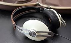 The right pair of headphones can make an appreciable difference in how much you enjoy your music. Bad headphones can make even the best songs sound like crud. Sennheiser Headphones, Wireless Headphones, Over Ear Headphones, Bluetooth, Pioneer Dj, Sound Engineer, Akg, Ipod, Headset