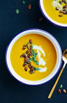 容易咖哩南瓜Soup-簡單下降啟發湯,需要小於10個成分和30分鐘,以使! (素食主義者+無麩質)