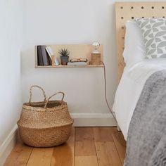End of Line: CornerShelf - Floating Wooden Shelf - Midi Contemporary pegboard storage systems - made Interior, Home Bedroom, Floating Shelves Bedroom, Bedside Table Diy, Apartment Bedroom Decor, Home Decor, Apartment Decor, Decor Essentials, Floating Bedside Table