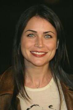 Master and Commander - The Far Side of the World Movie Premiere Rena Sofer, Master And Commander, Beautiful People, Beautiful Women, World Movies, The Far Side, Modern Tv, Cute Beauty, Ncis