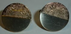 Gold or Silver cufflinks? Can't decide well how about both! These original 1970s vintage circular cufflinks are half gold and half silver, with a smooth fronted silver piece and textured gold with abstract design they glitter in the light
