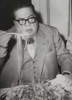 Aldo Fabrizzi, y Spaghetti, Vintage Italy, People Eating, Music Film, Movie Stars, Vintage Photos, Actors & Actresses, Selfies, Black And White