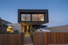 This inner city house is on a long narrow inner city site, with neighbouring buildings close either side. Residential Architecture, Contemporary Architecture, Architecture Details, Earthship Home, Living Environment, Cladding, Ground Floor, Curb Appeal, Entrance